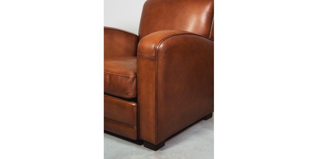 Grand carré, fauteuil club, cuir cognac, accoudoir